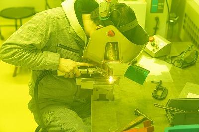ステンレスのレーザー溶接をしています